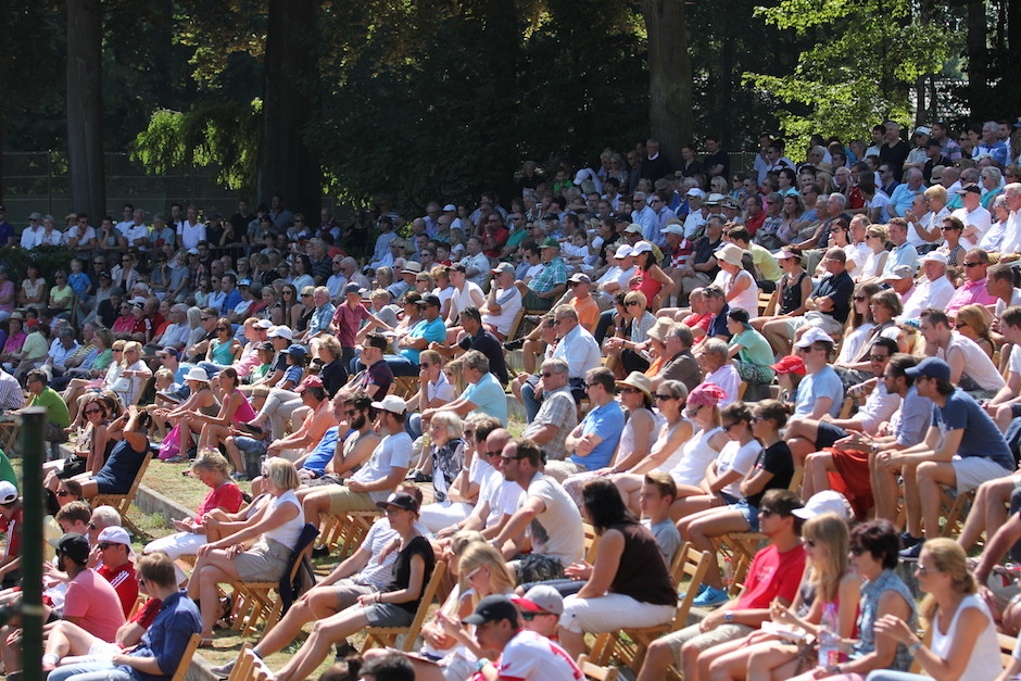 Volle Zuschauerränge bei Rot-Weiss Köln