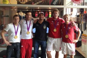 Stammkunden beim Ausrüster der Besten - Hockey Olympiasieger - Timo Wess, Christopher Zeller, Maximilian Weinhold und Benjamin Wess