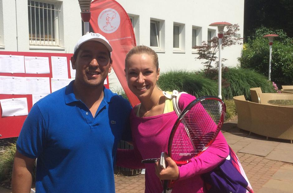 Verlässt sich auf unseren professionellen Besaitungs-Service - Wimbledon Finalistin Sabine Lisicki